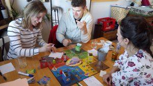 juegos de mesa en inglés en La Cuina de Baz